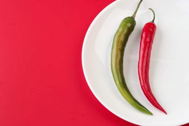 Обои на кухню красный и зеленый перец (food-0000079)