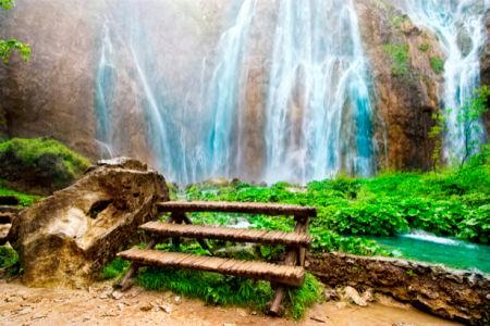 Фотообои с природой вид на горный водопад (nature-00132)