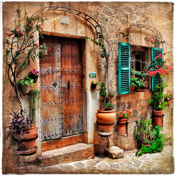 Фотообои итальянский дворик двери (retro-vintage-0000105)