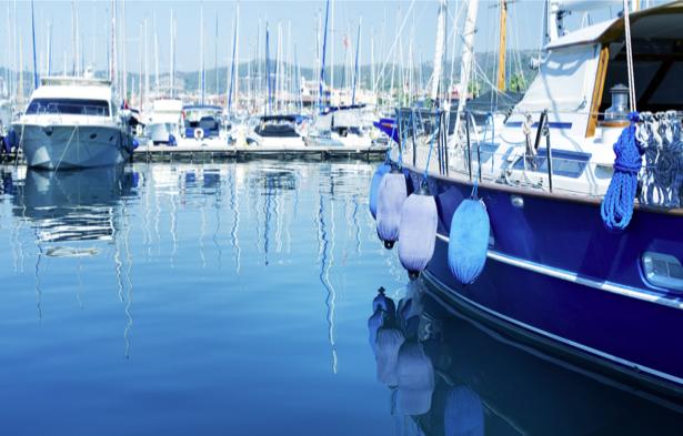 Фотообои городская пристань с яхтами (transport-0000151)