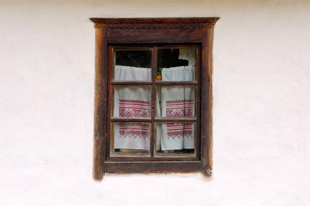 Фотообои Украина окно в селе (ukraine-0253)