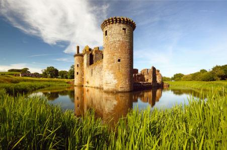 Фотообои замки Caerlaverock (city-0001406)