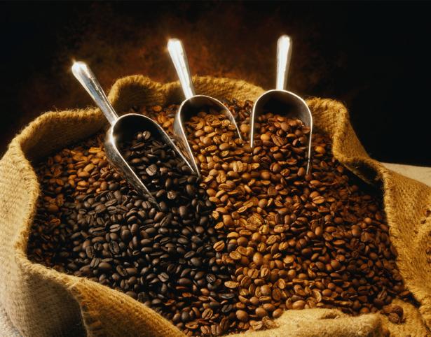 Обои на кухню зерна кофе в мешке (food-0000020)