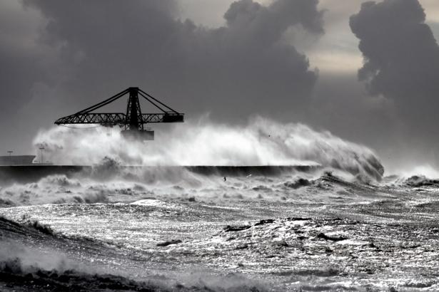 Фотообои серое небо и штормящее море (sea-0000232)