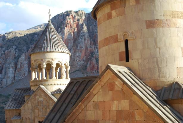 Фотообои армянский монастырь Нораванк (city-0001000)