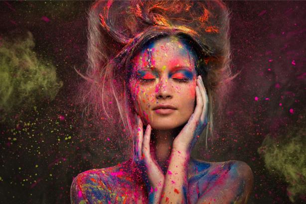 Фотообои девушка в краске (glamour-0000258)