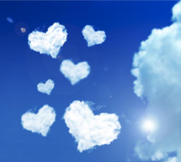 Фотообои небо с сердечком облаками (sky-0000040)