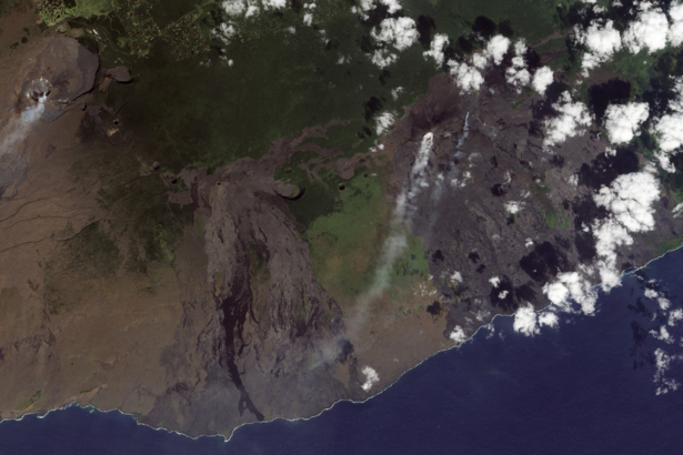Фотообои на стену облачка над (terra-00180)