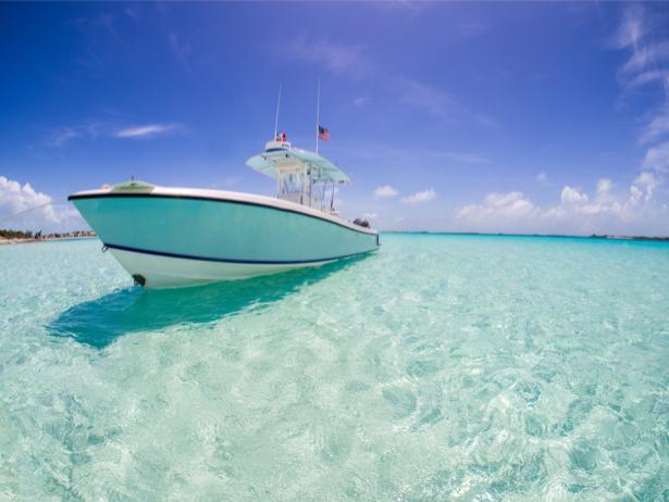 Фотообои лодка на лазурном море (transport-0000197)