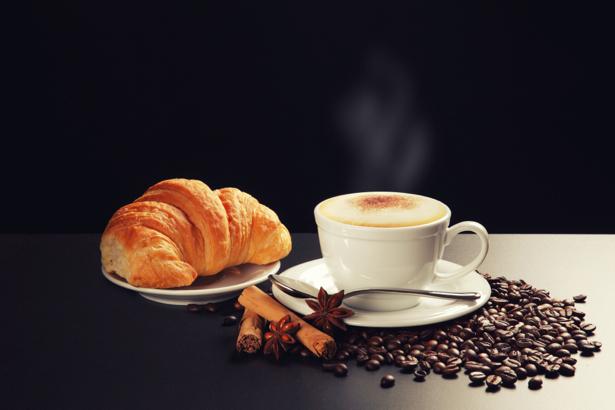 Открытки кофе с круассанами