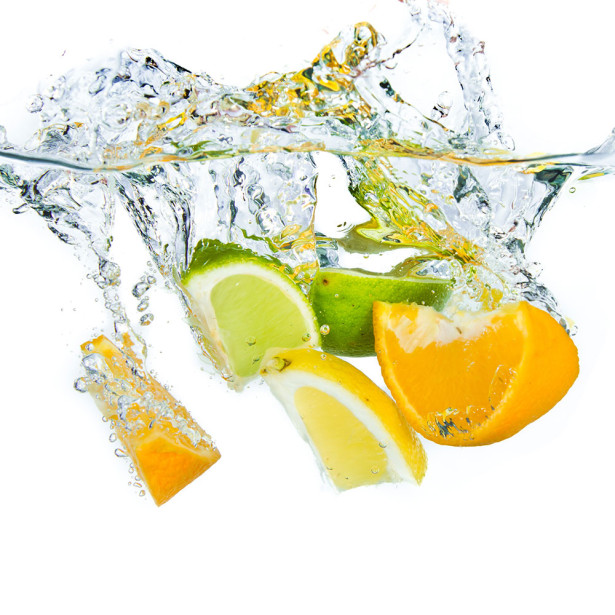 Фото обои фрукты в воде (food-344)