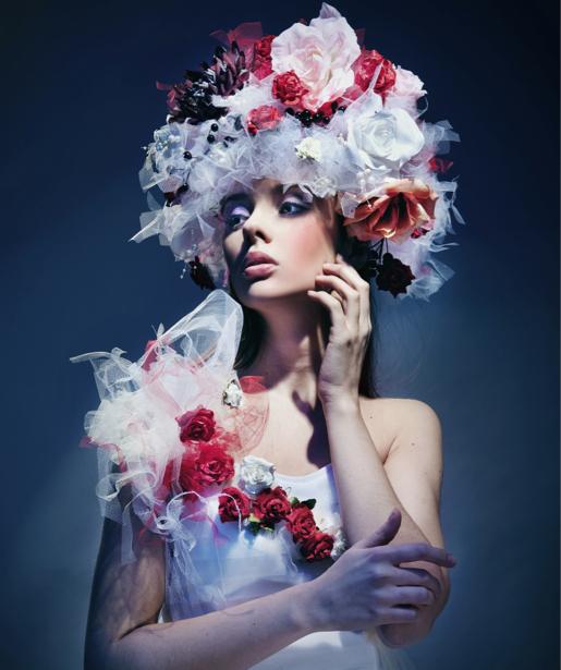 Фотообои образ в цветах (glamour-0000072)