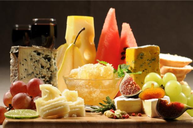 Фото обои на кухню натюрморт из сыра (food-0000001)