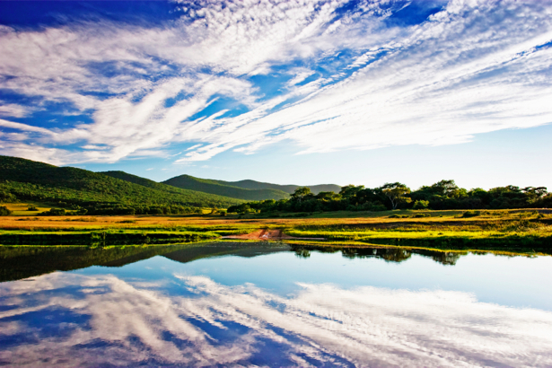 Фотообои пейзаж с рекой горы (nature-00205)
