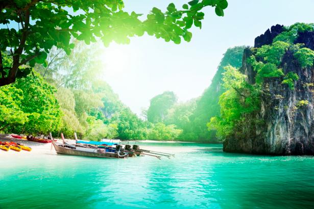 Фотообои лодки река горы пейзаж (nature-00312)