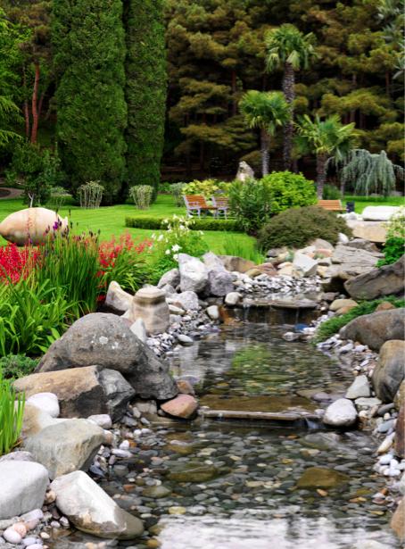 Фотообои сад ручей в спальню (nature-00446)