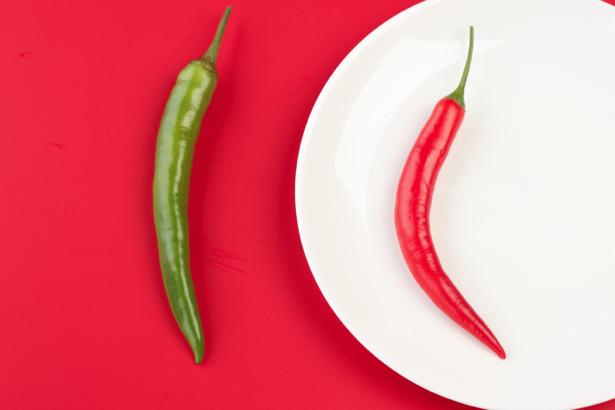 Красный и зеленый перец обои на кухню (food-0000009)