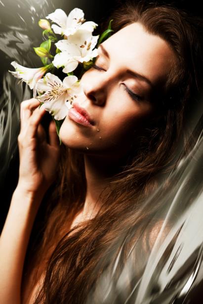 Фотообои девушка цветы и вода (glamour-0000131)