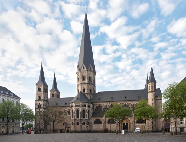 Фотообои мюнхенская старая церковь (city-0001087)