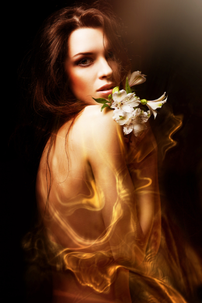 Фотообои девушка вода цветы (glamour-0000128)