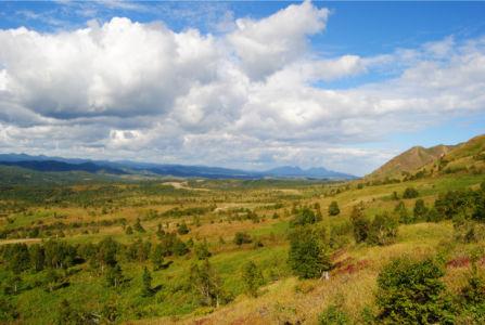 Фотообои поле горы облака (nature-00472)