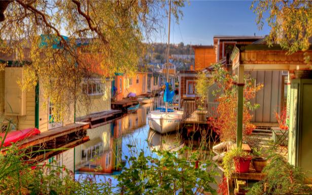 Фотообои канал, лодка, дома (city-0000359)