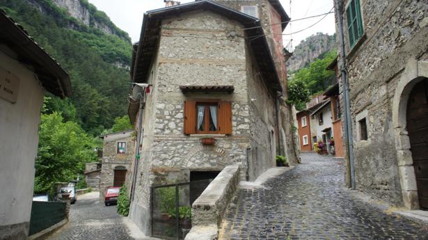 Фотообои улочка Италия (city-0000999)