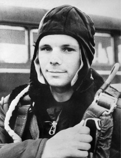 Юрий Гагарин, космонавт (retro-vintage-0000328)