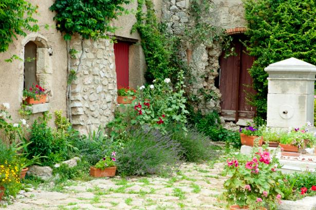 Фотообои Прованс сад Франция (city-0000046)