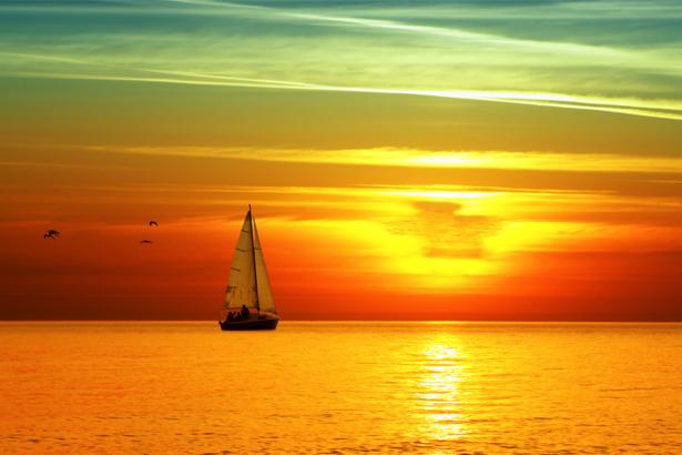 Фотообои пусрная яхта в море на закате (transport-0000049)