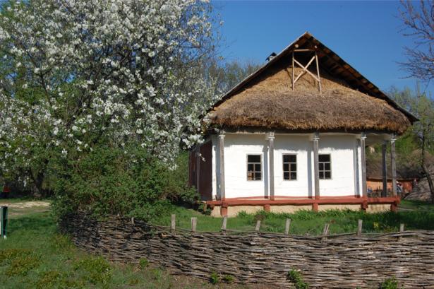 Фотообои украинская хата весна (ukraine-0260)