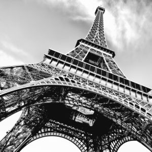 Фотообои Эйфелева башня фото чб (city-0001288)