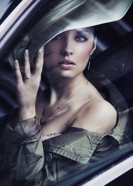 Фотообои красивая молодая женщина (glamour-294)