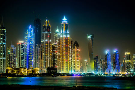 Фотошторы Дубай ночью (bedroom-curtain-00020)