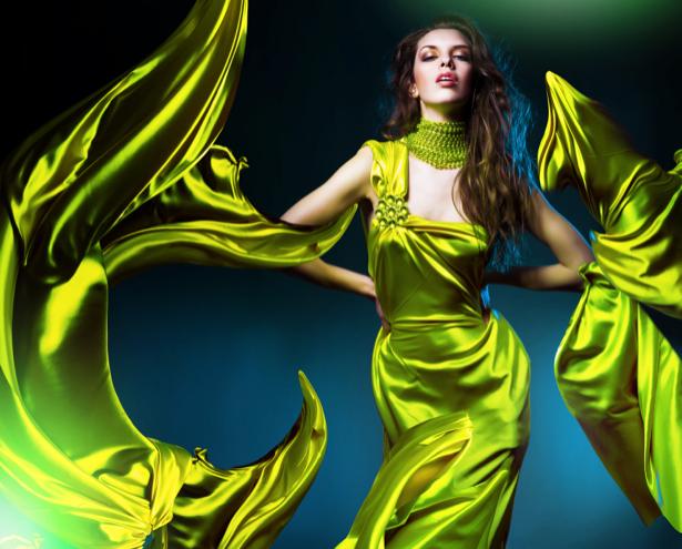 Фотообои девушка в зеленом платье (glamour-0000009)
