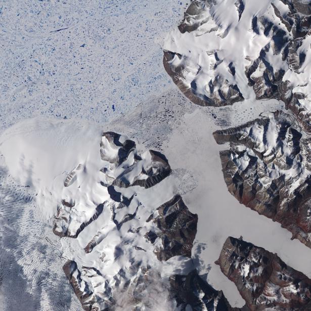 Фотообои NASA горы снег (terra-00282)