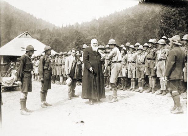 Митрополит Андрей Шептицкий на съезде пластунов в Сокале, 1929 г (ukraine-0057)