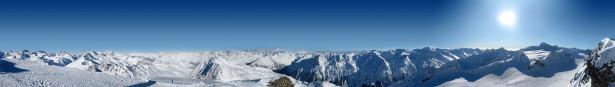 Фотообои панорама горных вершин над облаками (nature-00340)