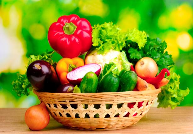 Фотообои овощи в корзине сервировка (still-life-0002)