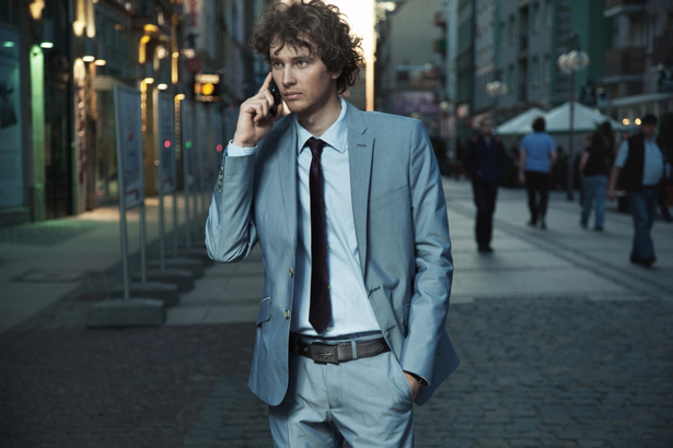 Фотообои мужчина в городе (glamour-0000056)