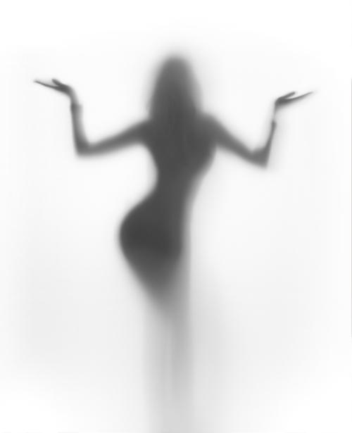 Фотообои в контражуре девушка (glamour-0000170)