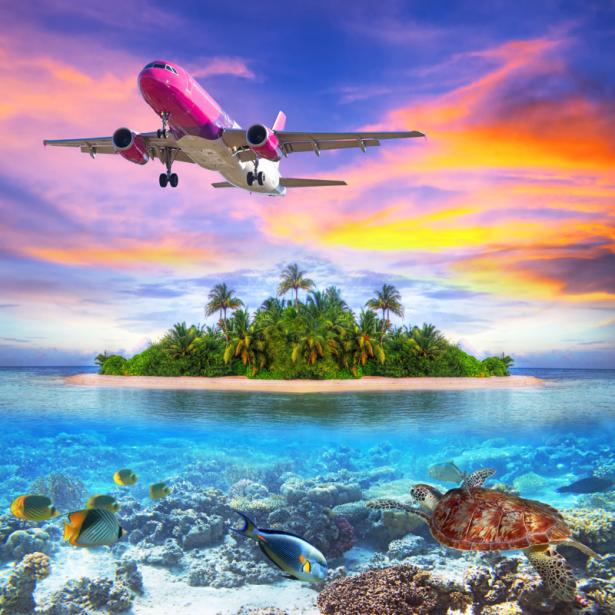 Фотообои самолет над морем (transport-0000254)
