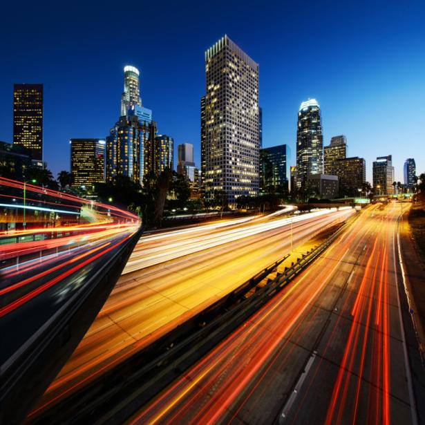 Фотообои ночное шоссе огни на дороге (city-0001350)