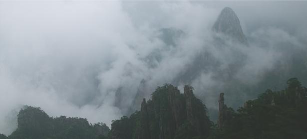 Фотообои горы в облаках (nature-00488)
