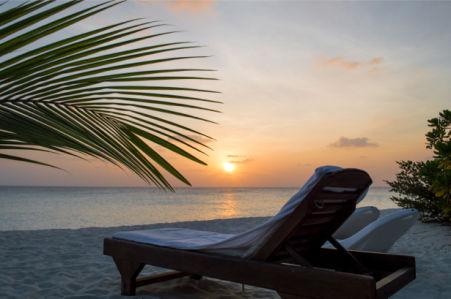 Фотообои море берег лежак закат (sea-0000309)