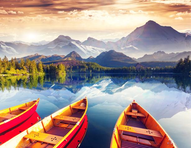 Фотообои цветные лодки на озере (sea-0000370)