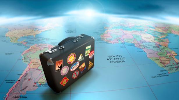 Фотообои чемодан путешественник (background-0000112)