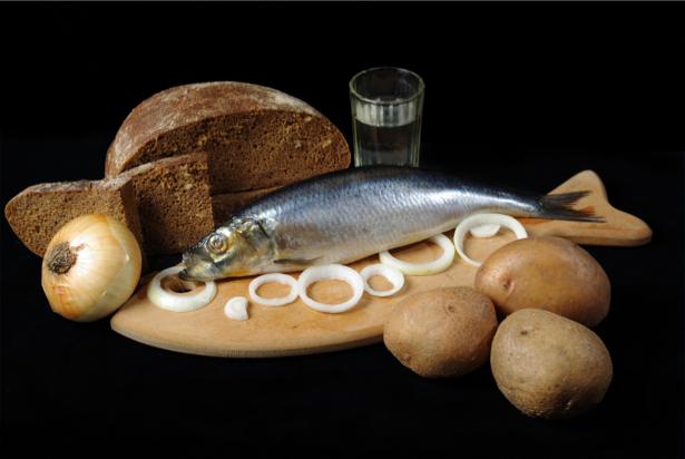 Фотообои в кухню натюрморт с селедкой (food-0000176)