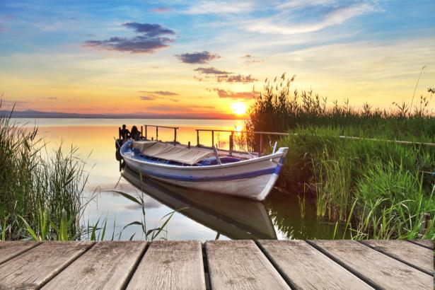 Лодка на озере картинка  soloveysu