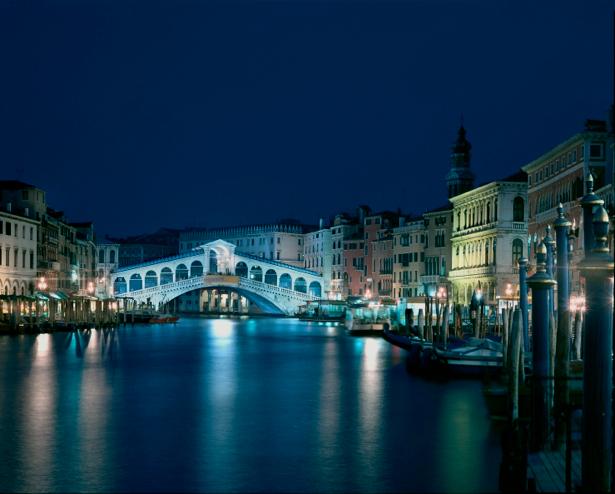 Фотообои канал в Венеции мост (city-0000478)